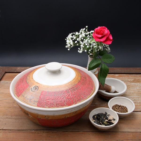 Keramik, Brottopf Dekor Granatapfel, ø ca 29 cm h ca. 10,5 cm, mit Vase, Mörser und zwei Schalen