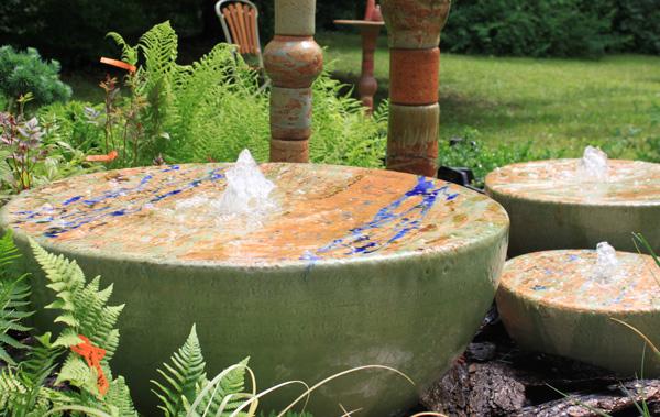 Keramik Brunnen, Quellstein in ca. 70 cm, 50 cm und 35 cm in Neuseeland Dekor glasiert