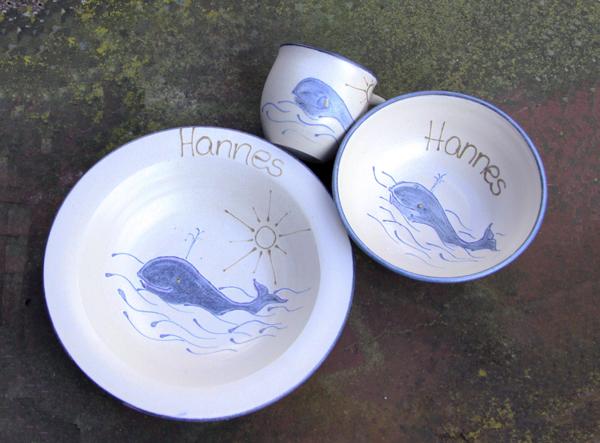 Keramik personalisiertes Kindergeschirr Wal handgemalt