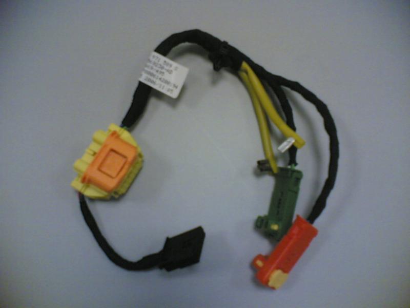 Kabelsatz wo Airbagstecker ausgepinnt werden muss