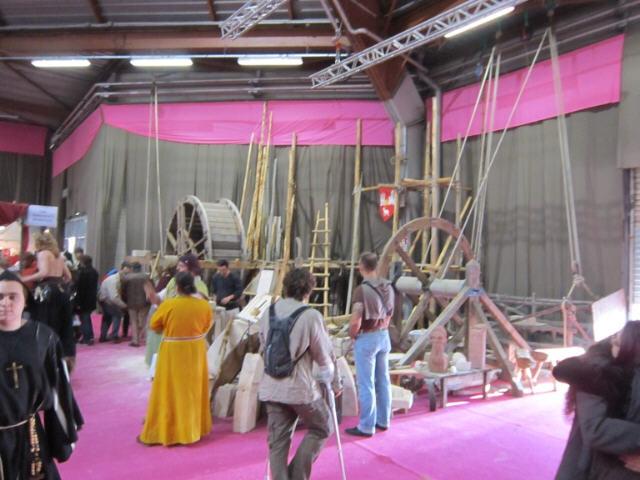 chantier médiéval salon fous d'histoire Pontoise 2011