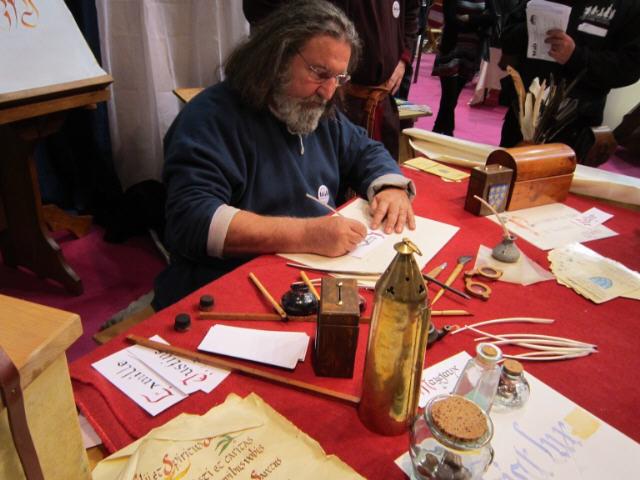 Campus Stellae calligraphie salon fous d'histoire Pontoise 2011