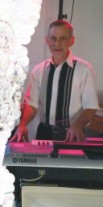 Dezente Dinnermusik zu Kaffee und Kuchen mit Klavier, Keyboard und professionellem Gesang