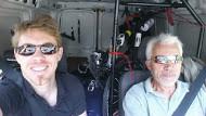 Papou au volant Sébastien au téléphone, en route pour St Quentin
