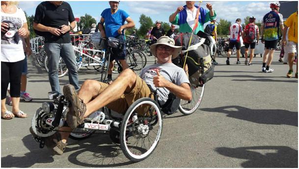Un trike Vortex qui vient d'Espagne à son guidon Osci.