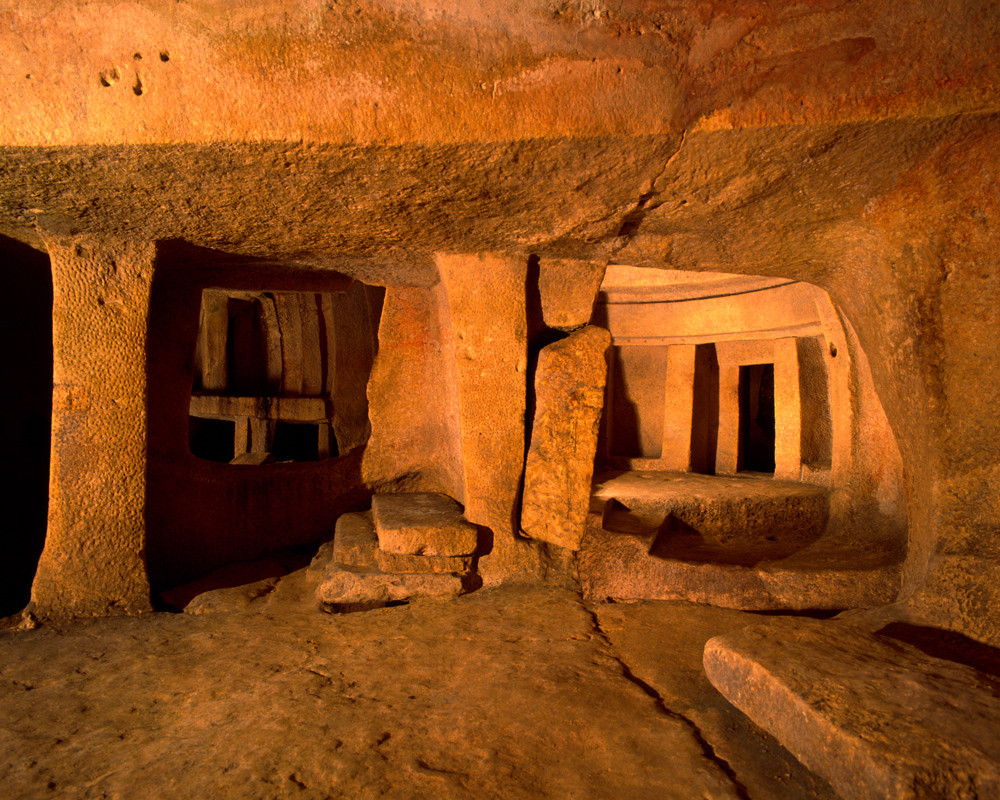 Hypogeum .... Women make history