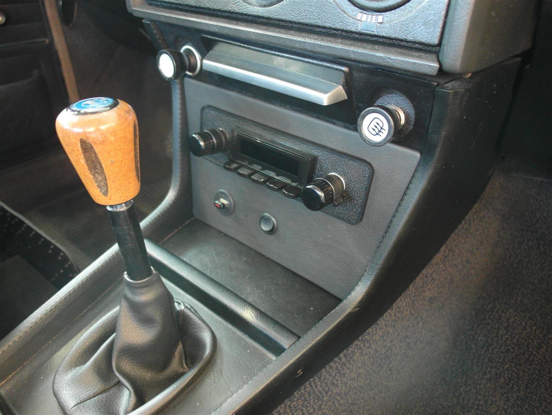 Auch das Radio lässt im ausgeschaltenem Zustand nichts vermuten.