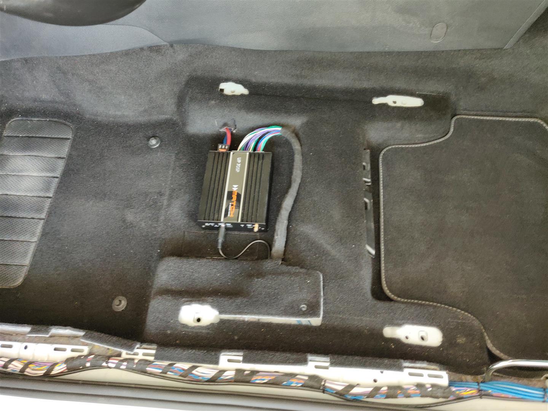 VW Golf 7 - DSP-Verstärker unter Fahrersitz