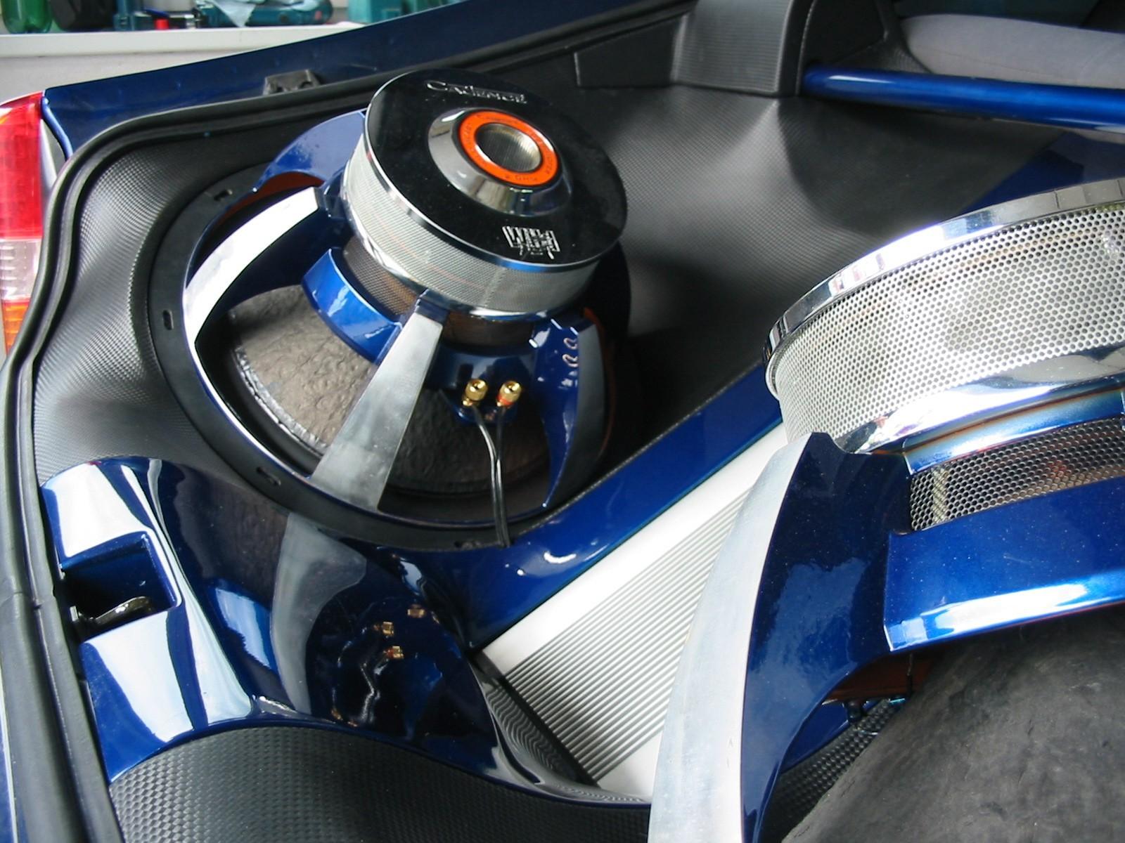 Toyota Celica (T23) - Kofferraumverbau im Carbon-Look