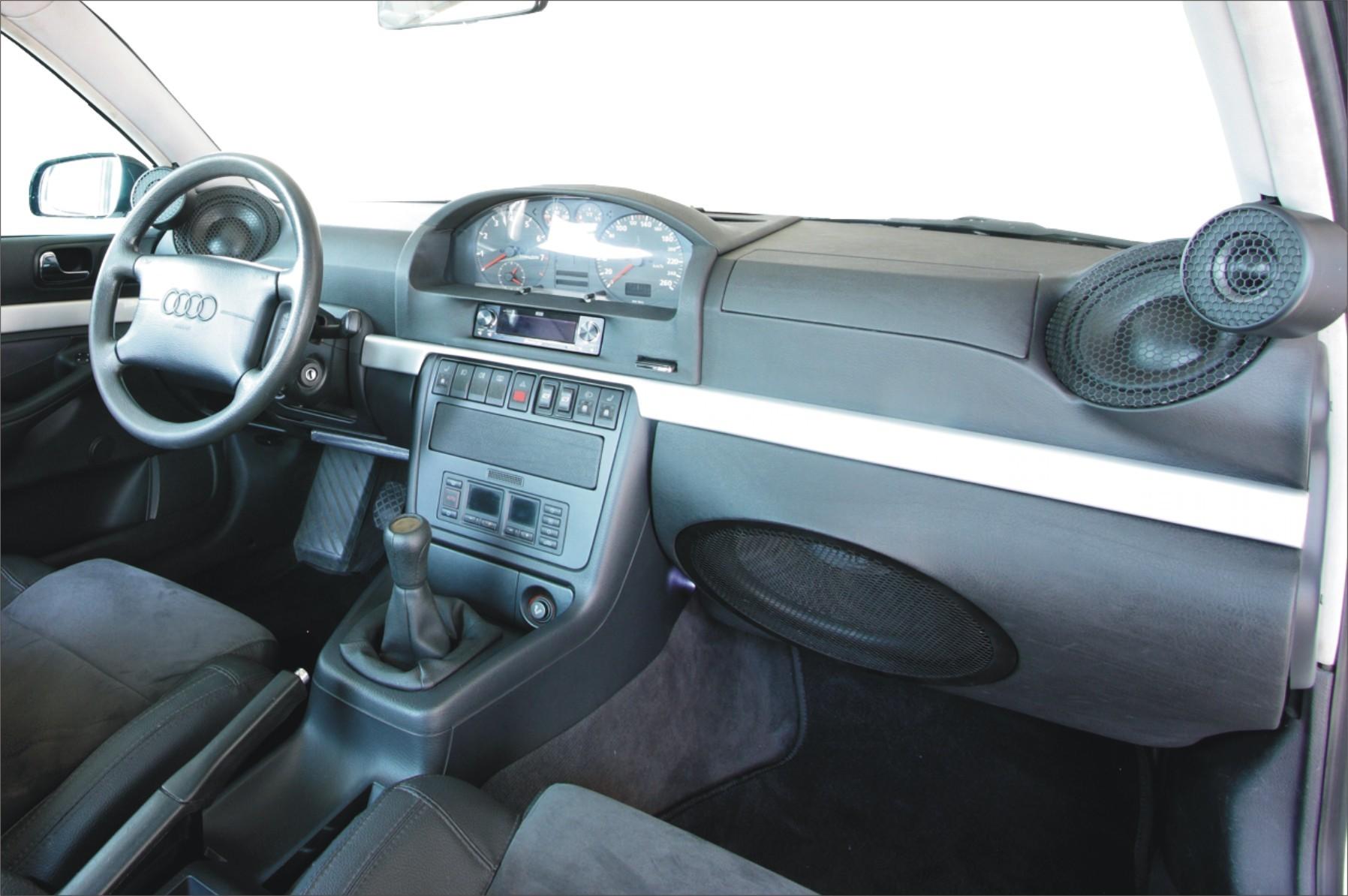 Audi A4 (B5) - neu gestaltetes Armaturenbrett