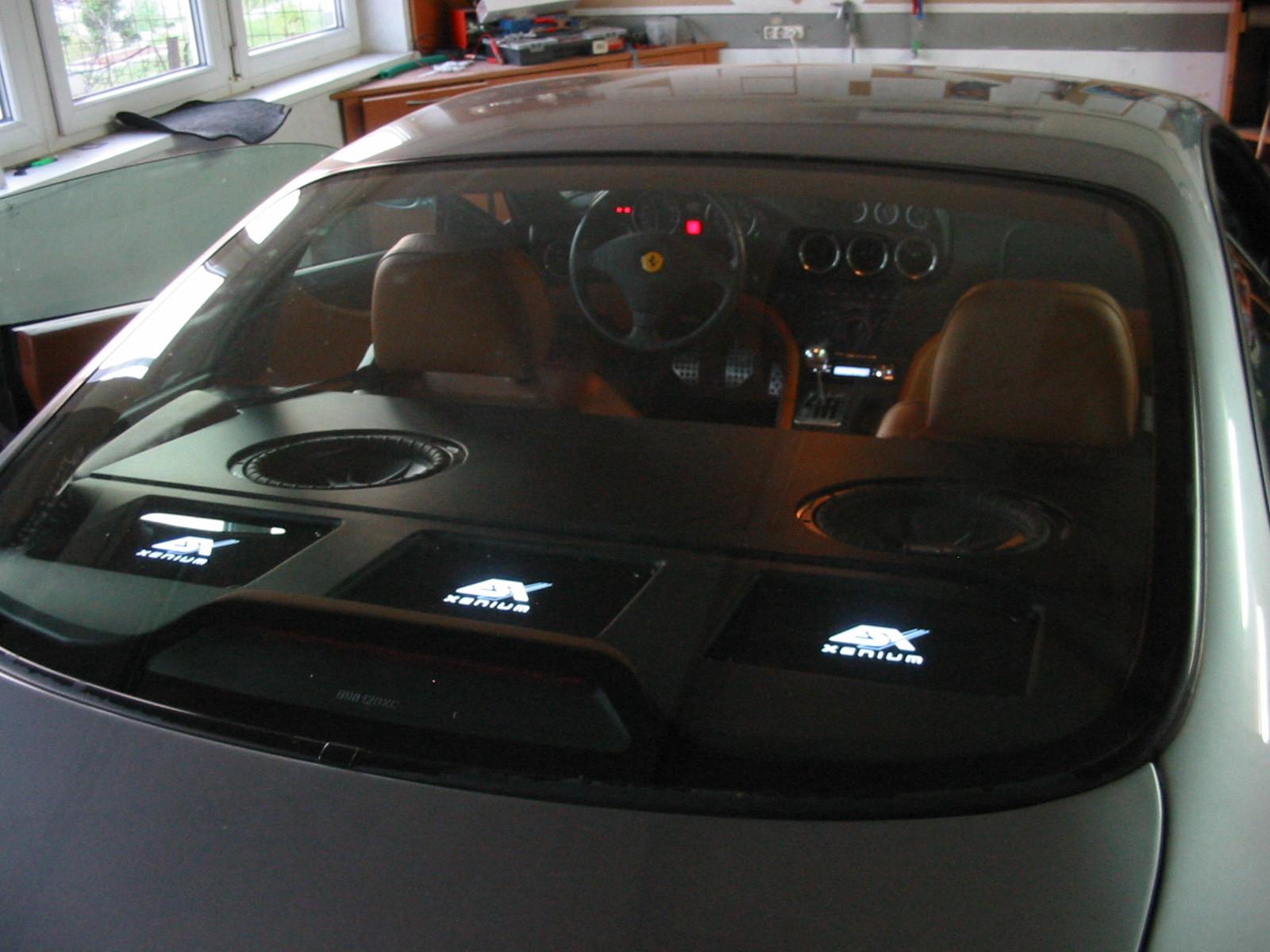 Ferrari 550 Maranello - Verstärker