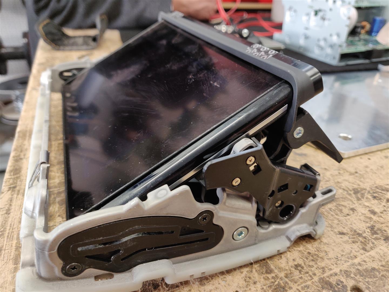 Die Ausfahrmechanik eines Audi dient als Basis für den neuen Antrieb.