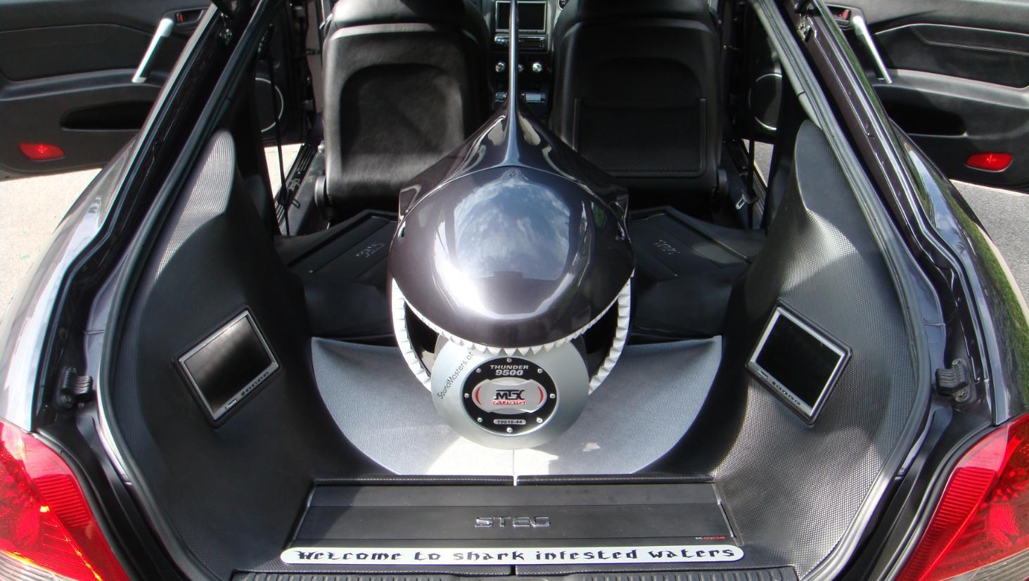 Hyundai Tiburon - Haifisch-Subwoofergehäuse