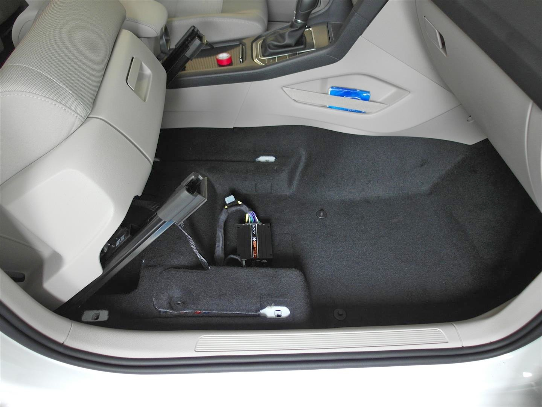 VW Sportsvan - DSP-Verstärker unter Beifahrersitz