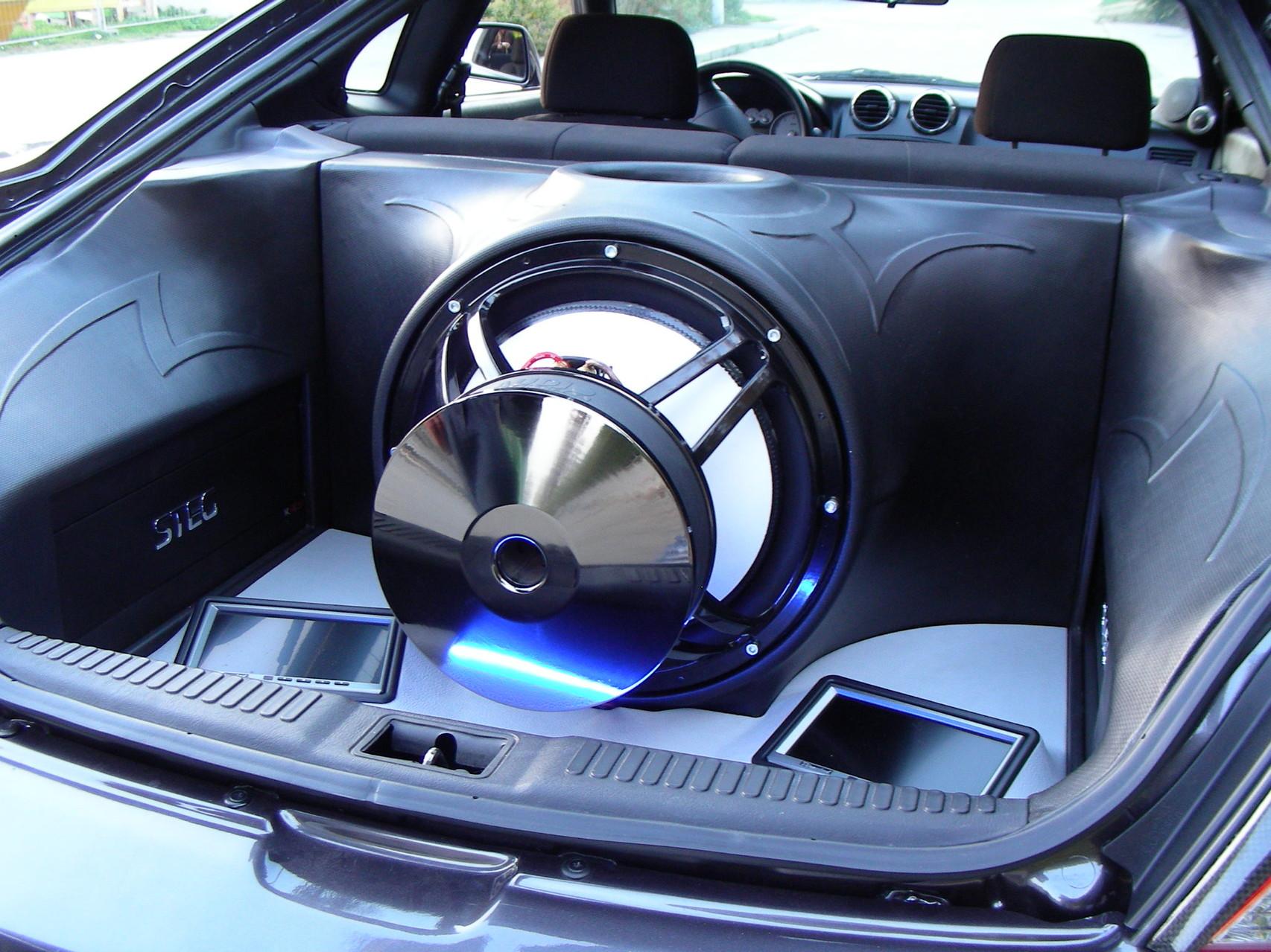 Hyundai Tiburon - Kofferraumverbau