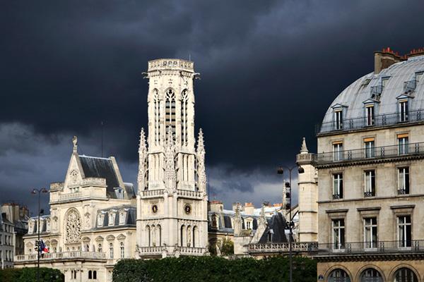 Paris-Regenwolken
