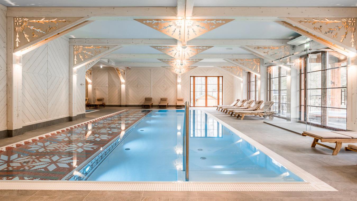 Spa-Bereich mit Pool