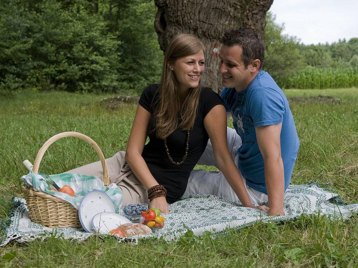 ... kennt viele romantische Plätze fürs Picknick