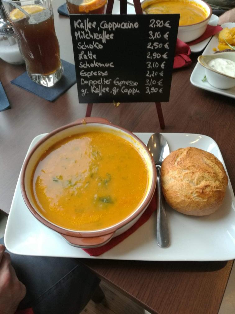 Karotten-Kokos-Suppe