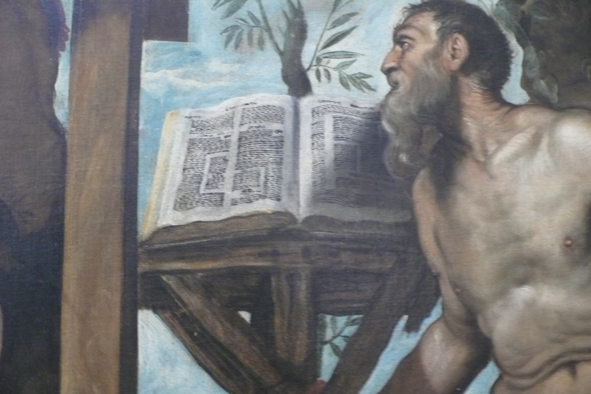 idem, Detail der aufgeschlagenen hebräischen Bibel (Tenach mit Kommentaren)