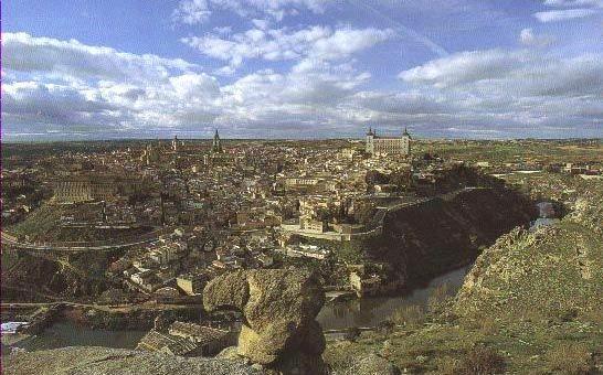 Toledo heute mit Tajo von Süden