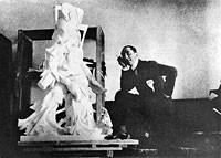 Boccioni dans son atelier 1913 avec synthese du dynamisme humain, Centre Pompidou