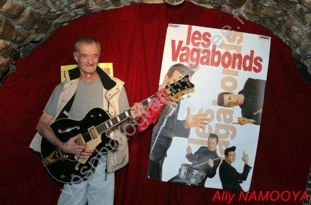 LUCKY avec (La Guitare Clémentine de TED SANDERS)