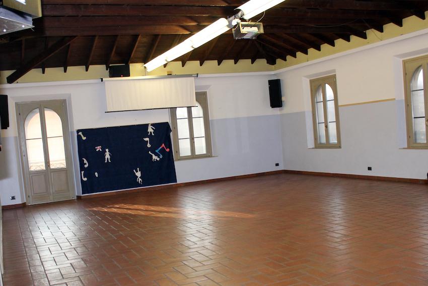 Il salone dell'oratorio, a nostro uso esclusivo, negli orari della scuola