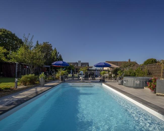 Wellness Land, Pool gratis mit 9mx4mx1,60m tiefe für die Gemeinschaft