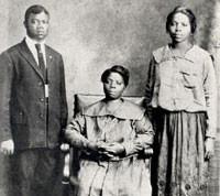 the Funky Soul story - Louis avec sa mère et sa sœur