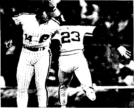 Houston's Enos Cabell reached first as Pete Rose lunges for Larry Bowa's errant throw in the 1st inning.