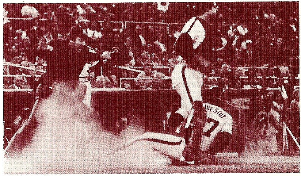 Bob Boone avoids the sliding Landestoy as the Astros take Game 2.