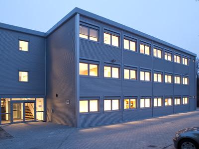 Container und Hallenbau