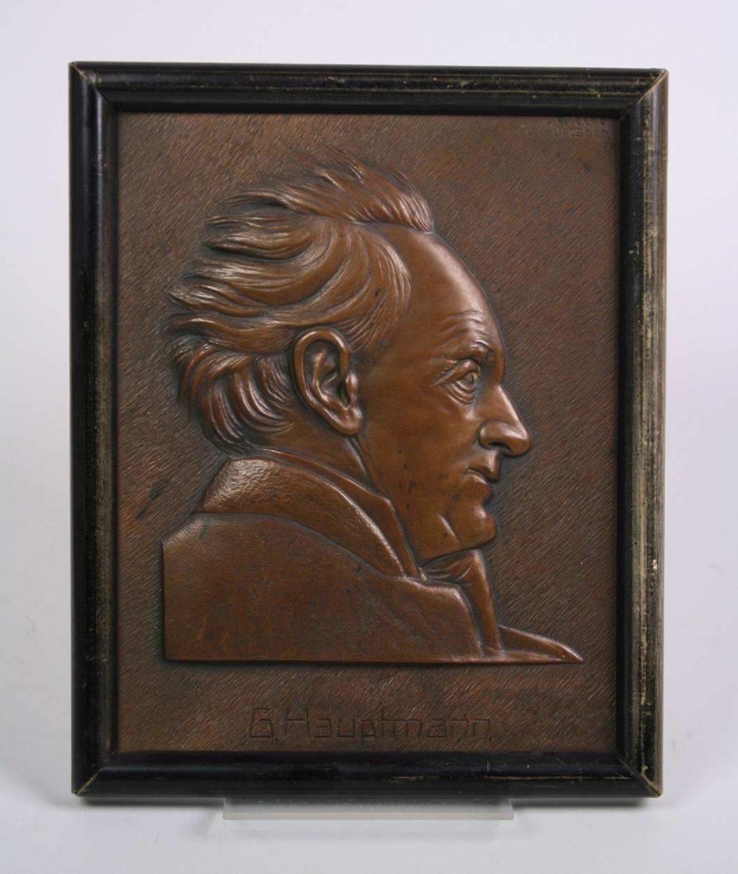 Reliefbild Gerhart Hauptmann