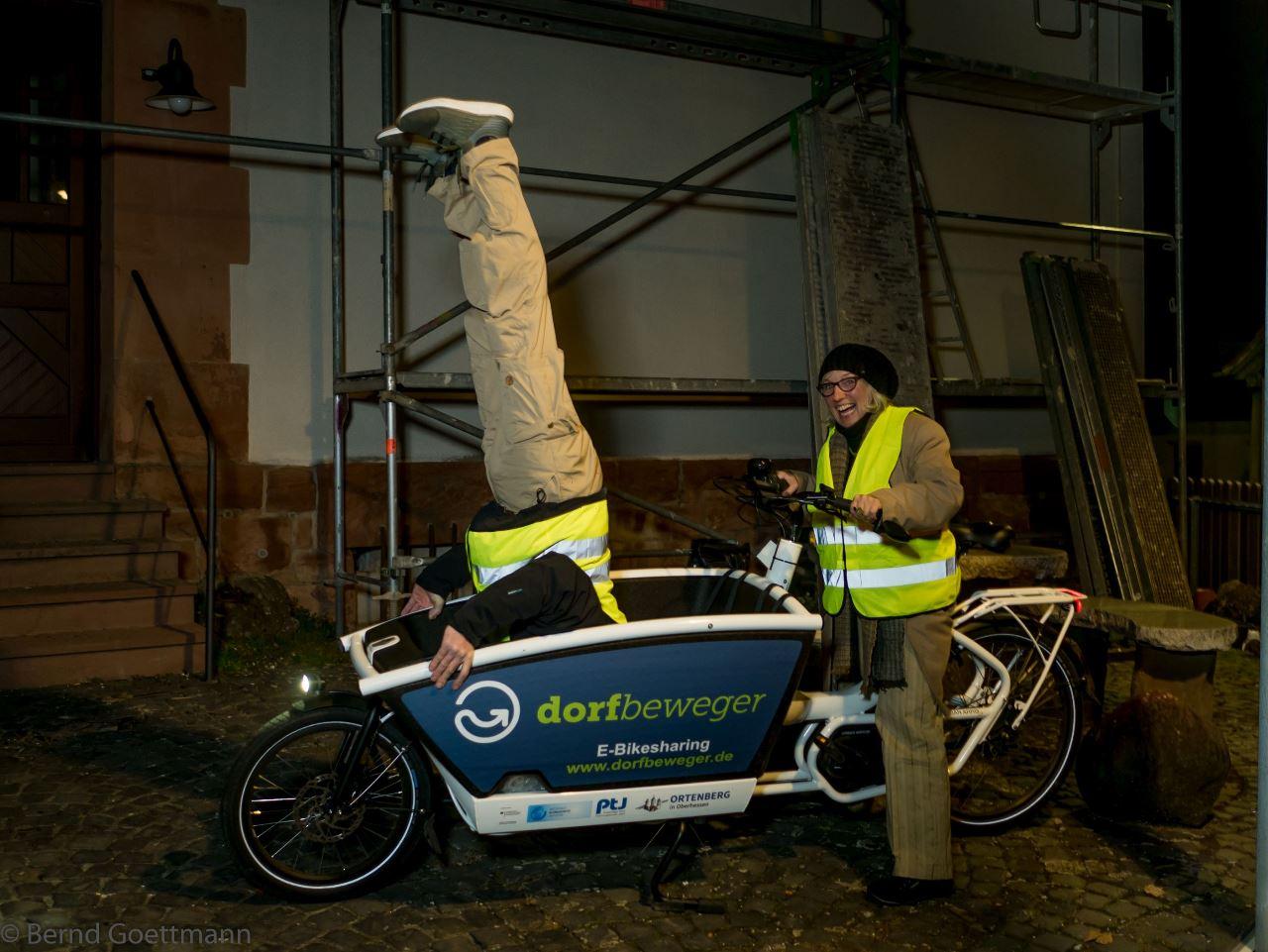 Warnwesten für die Radfahrer