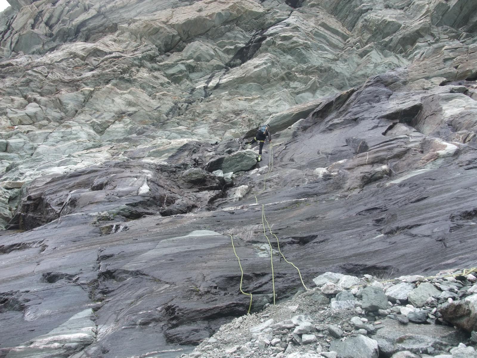 Abseilen am Wasserfall (Weisshorn)