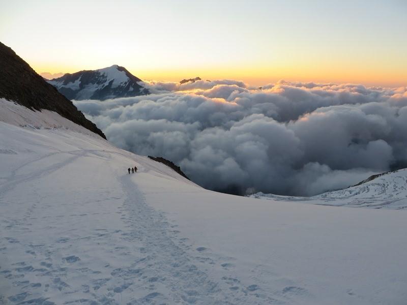 kurz vorm Sonnenaufgang am Windjoch in knapp 3800m