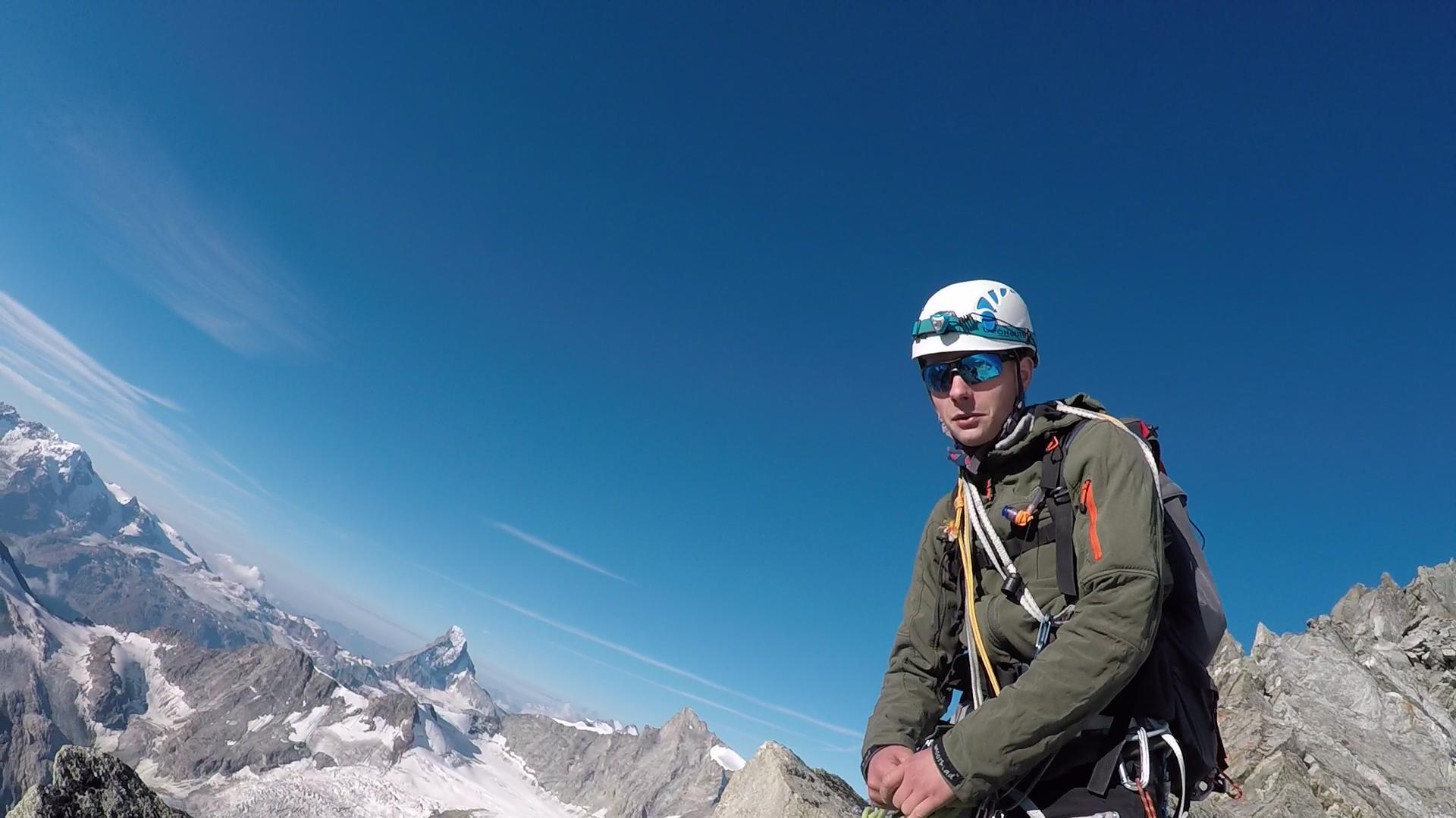 Sebastian auf Lochmatterturm mit Matterhorn