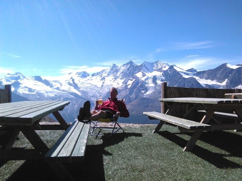Auf der Terrasse der Weissmieshütte