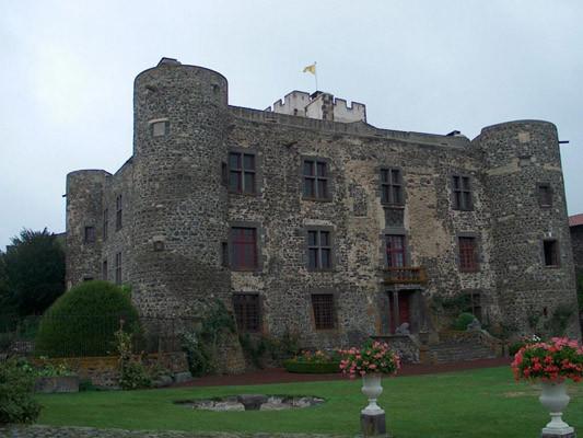 Chateau d'Opme Façade