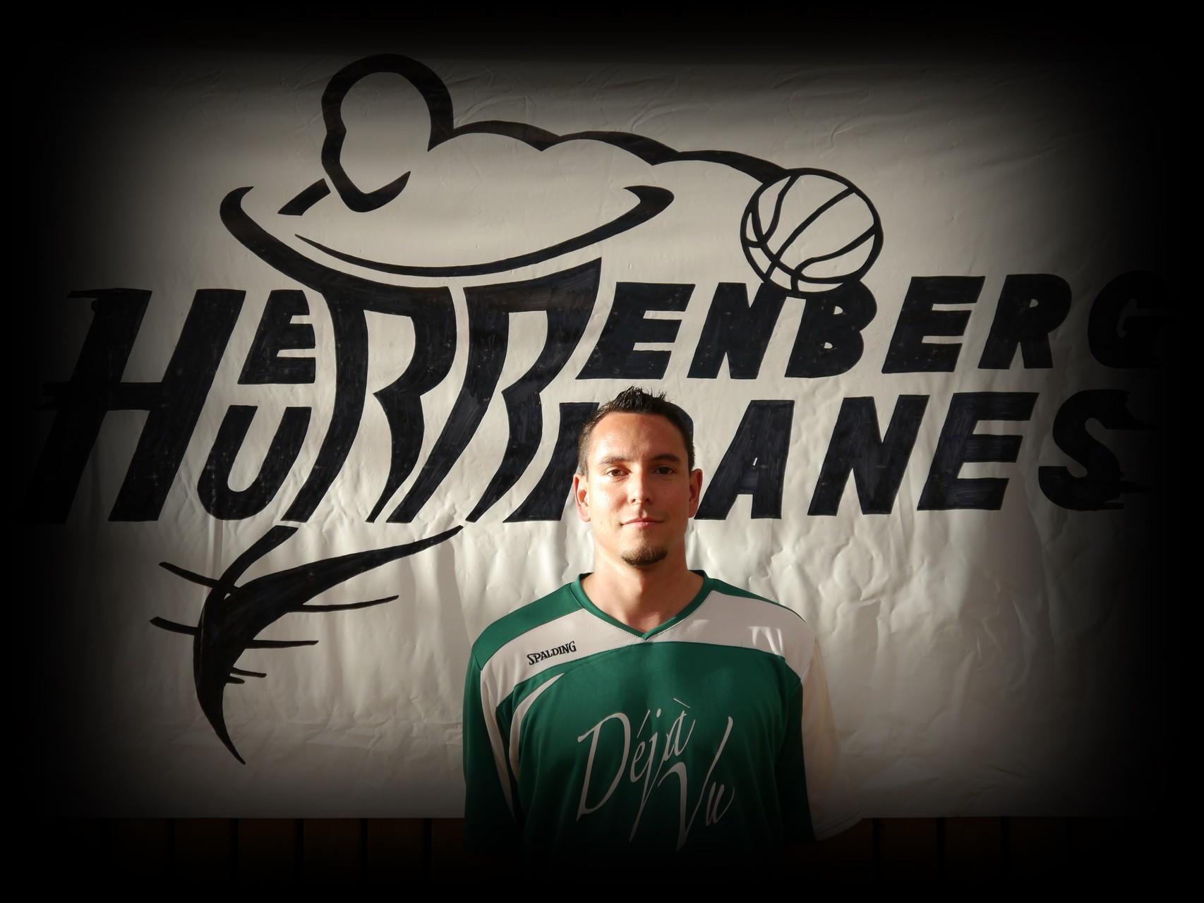 Ronnie Gründler ǀ 29 Jahre ǀ 181cm ǀ Flügel ǀ Mitglied seit 2007