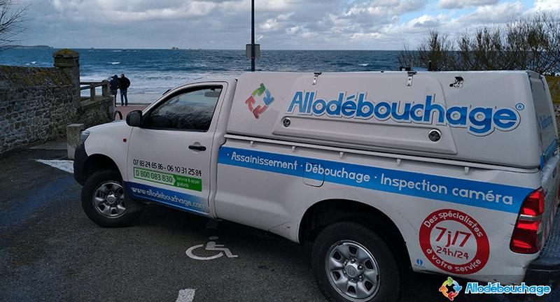 Camion hydrocureur AlloDébouchage Saint-Malo