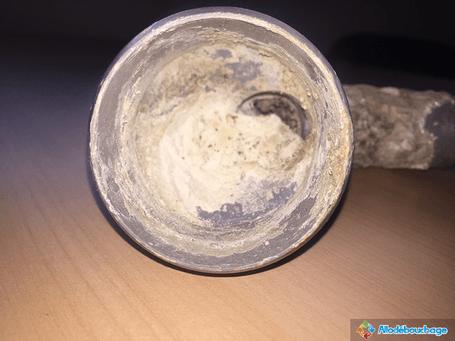 canalisation exterieure bouchee vetuste