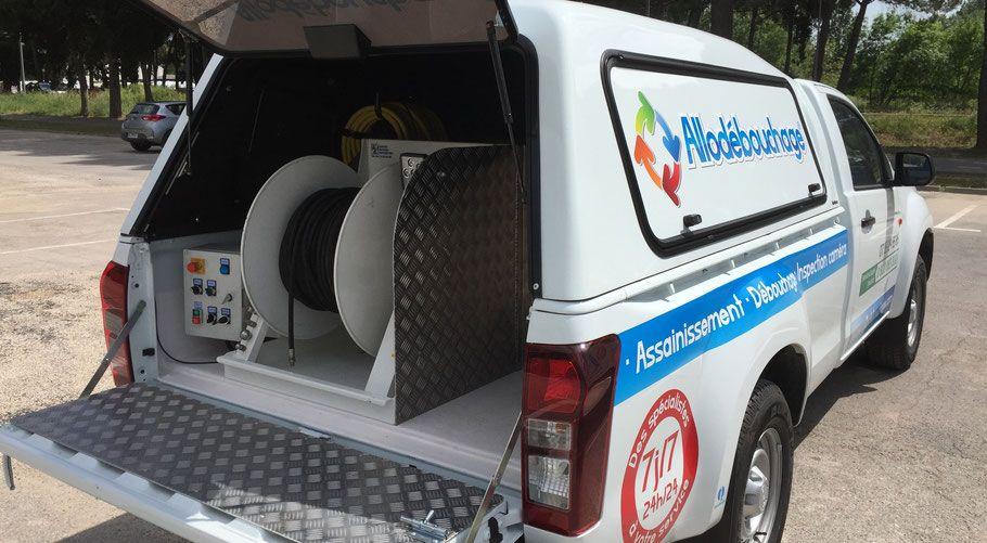 Camion hydrocureur Allo Débouchage Vannes