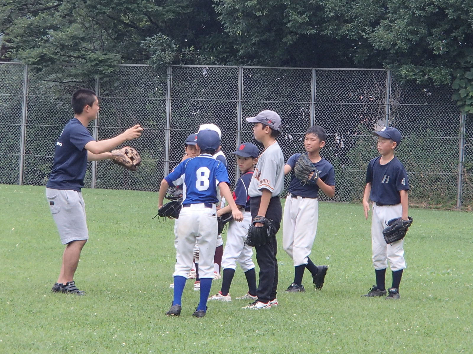 現役高校野球部の生徒さんも、お手伝いに来てくれました!