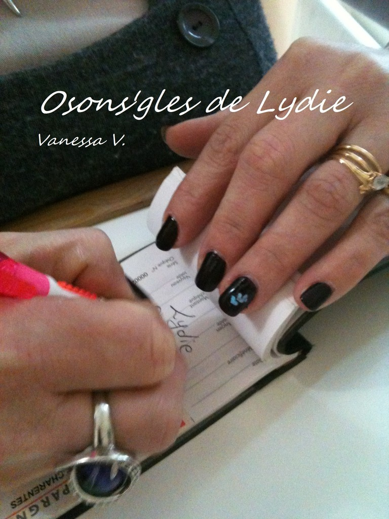 Vernis simple.  Vanessa