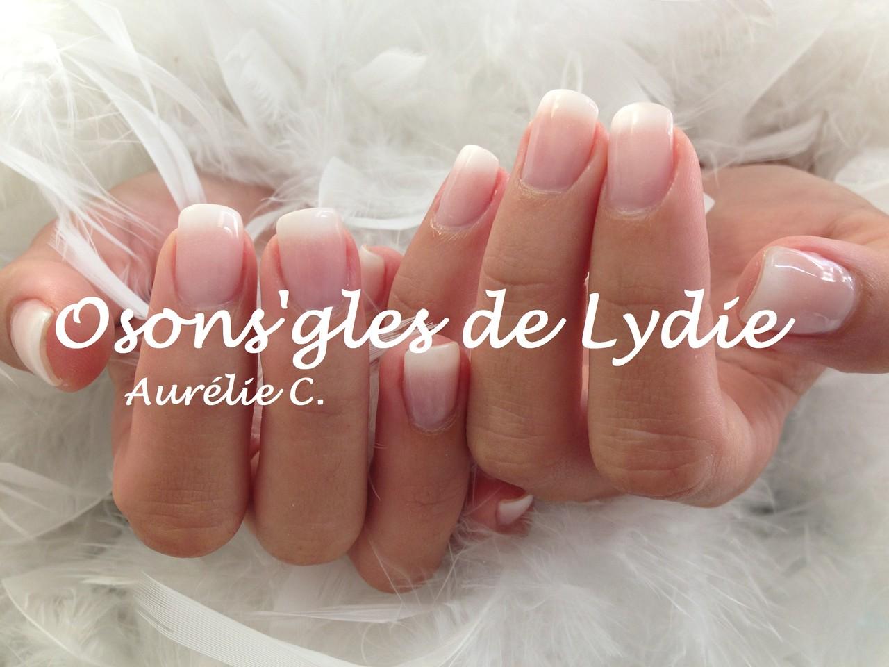 Pose d'ongles avec capsules et french pour Aurélie (pose réalisée le 30 août 2013)