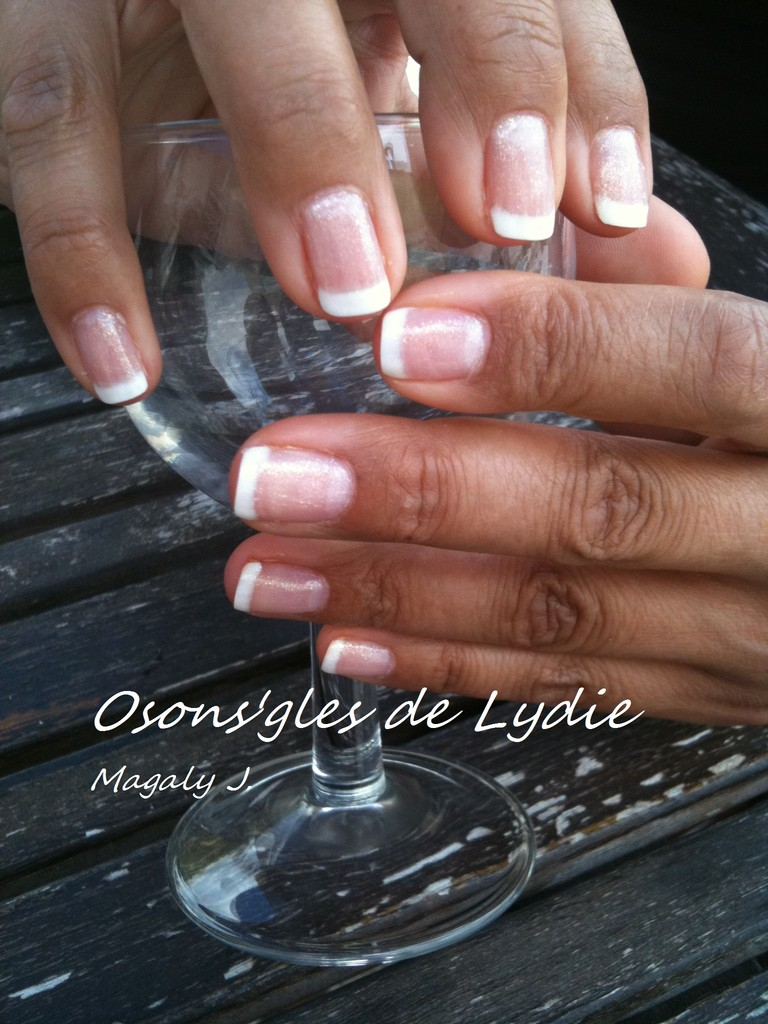 Vernis semi permanent.   Magaly