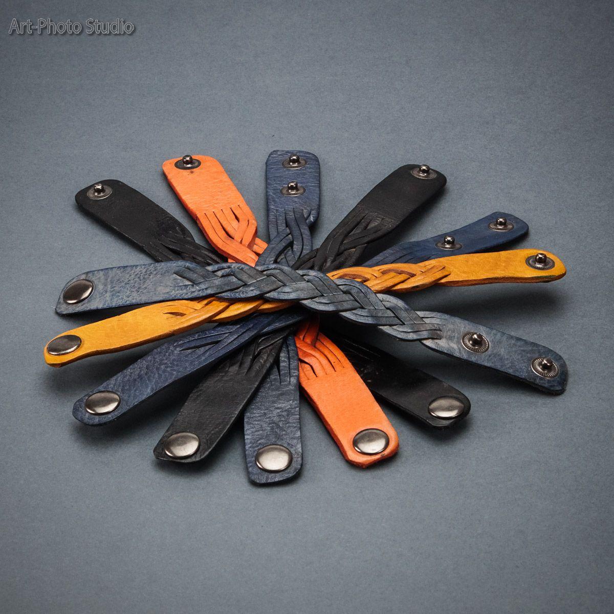 предметная фотография кожаных  браслетов для каталога