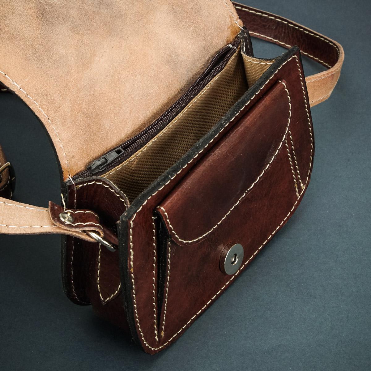 предметная фотография сумки для женщин из натуральной кожи